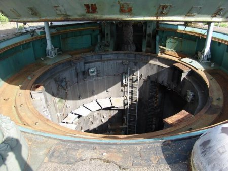 Советская ракетная шахта (28 фотографий)