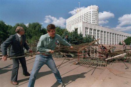 Дело шло к августу 1991г (42 фотографии)