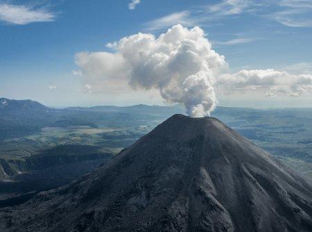 Полет над вулканами Камчатки