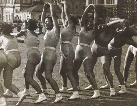 Советские спортсменки и пляжи